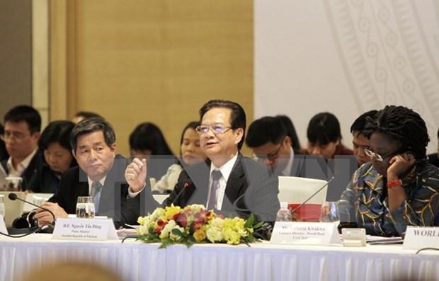 Premier vietnamita interviene en foro de contrapartes de desarrollo hinh anh 1