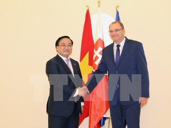 Fomentan Vietnam y Eslovaquia nexos de cooperacion multifacetica hinh anh 1