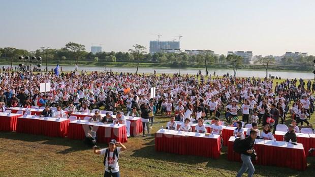 Maraton en Hanoi a favor de los ninos desafortunados hinh anh 1