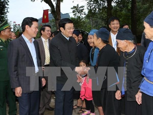 Presidente visita aldea de cultura-turismo en Ha Giang hinh anh 1