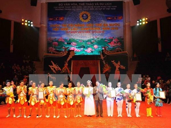 Concluyen concurso de jovenes talentos de circo de Vietnam, Laos y Cambodia hinh anh 1