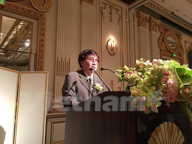 Escritor vietnamita gana premio regional hinh anh 1