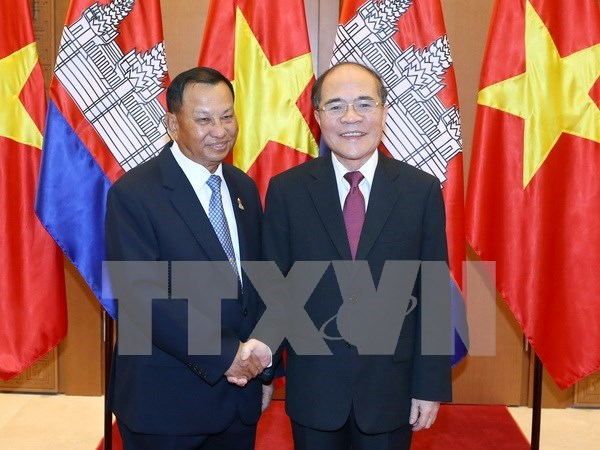 Vietnam y Cambodia acuerdan mayor cooperacion en foros interparlamentarios hinh anh 1