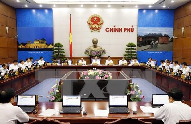Gobierno pide equilibrar presupuesto para aumento salarial en 2016 hinh anh 1