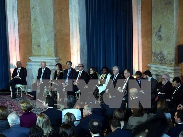 Vietnam felicita a nuevo primer ministro portugues hinh anh 1