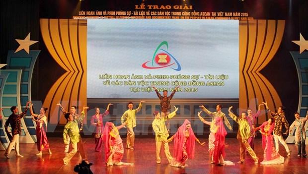 Premian documentales y fotos de etnias de Comunidad de ASEAN hinh anh 1