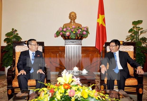 Vietnam considera importante impulsar nexos con RPDC hinh anh 1