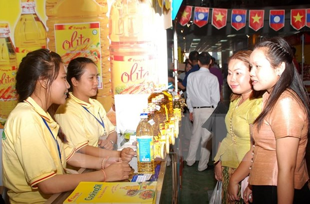 Nutrida participacion en Feria comercial Vietnam – Laos hinh anh 1