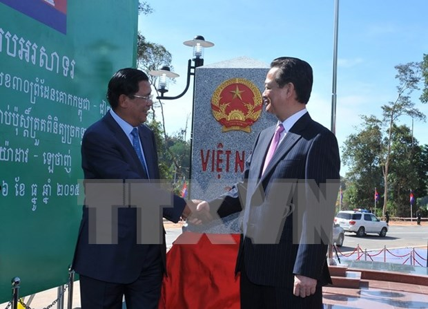 Inauguran poste fronterizo numero 275 entre Vietnam y Cambodia hinh anh 1