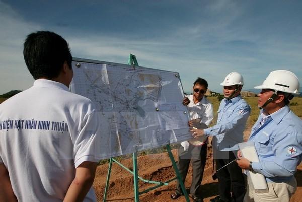 Instan a Vietnam a adquirir experiencias de Francia en desarrollo de energia nuclear hinh anh 1