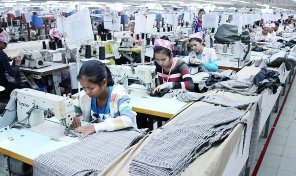 Cambodia: alrededor de 150 empresas textiles cerradas en 2015 hinh anh 1