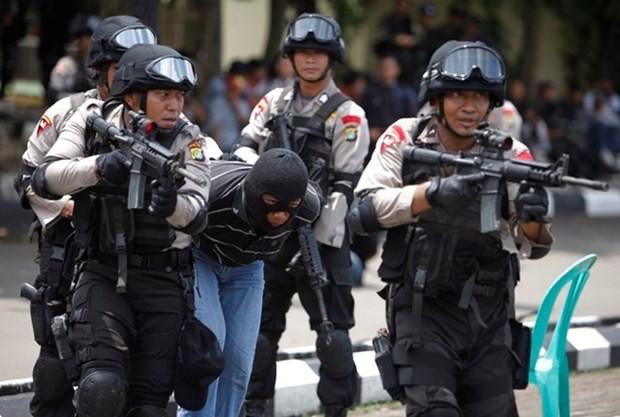 Policia indonesia arresta a tres sospechosos vinculados con el Estado Islamico hinh anh 1