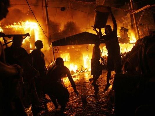 Filipinas: Casi mil casas destruidas por incendio en Manila hinh anh 1