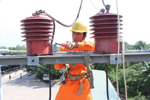 EVN SPC suministra electricidad a mas 30 mil hogares en distritos islenos hinh anh 1