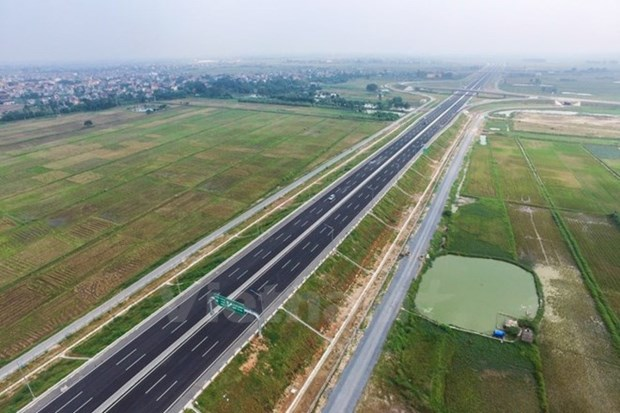 Premier pide elevar eficiencia de gestion estatal en sector de transporte hinh anh 1
