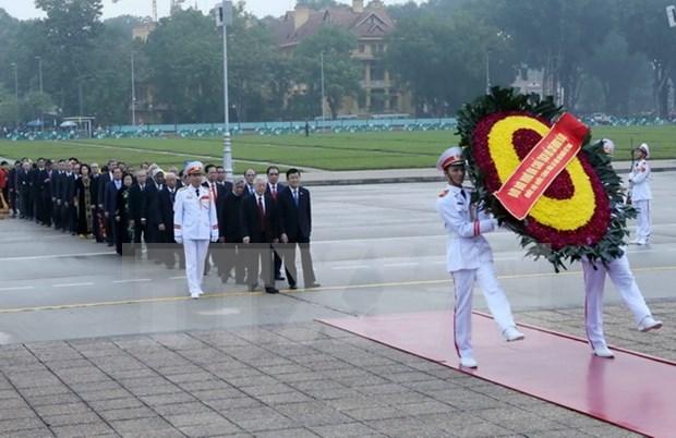 Rinden tributo a Ho Chi Minh con motivo de aniversario de primeras elecciones hinh anh 1