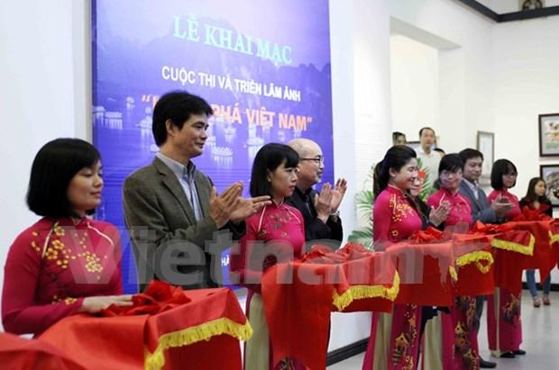 """Inauguran exhibicion fotografica """"Descubre Vietnam"""" en Hanoi hinh anh 1"""