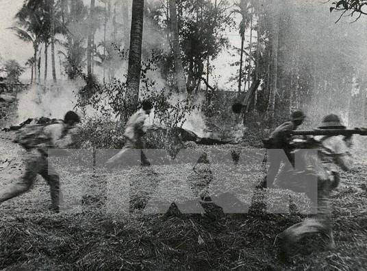 Rememoran en Vietnam victoria contra regimen genocida en Cambodia hinh anh 1