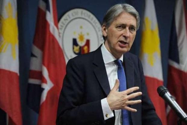 Londres y Manila preocupados por vuelo ilegal de China en Truong Sa hinh anh 1