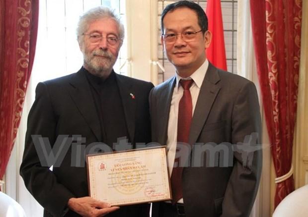 Vietnam honra a arquitecto argentino por su ayuda a victimas del Agente Naranja hinh anh 1