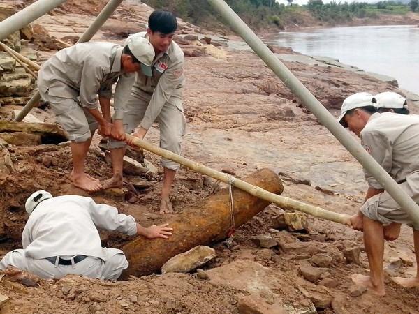 Promueven apoyo a victimas de bombas en Vietnam hinh anh 1