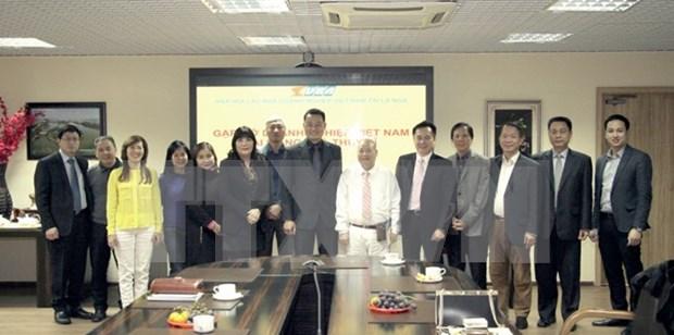 Empresas vietnamitas impulsan negocios en Suiza y Rusia hinh anh 1