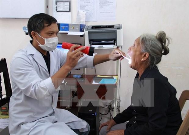 Donaciones para personas necesitadas y victimas de dioxina con motivo del Tet hinh anh 1