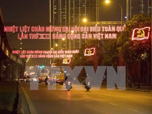 En saludo al XII Congreso de PCV: Hanoi determinada a mejorar su posicion hinh anh 1