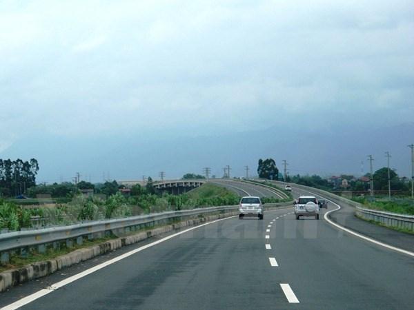 Abren al transito tramo de carretera que conectan Vietnam y Laos hinh anh 1