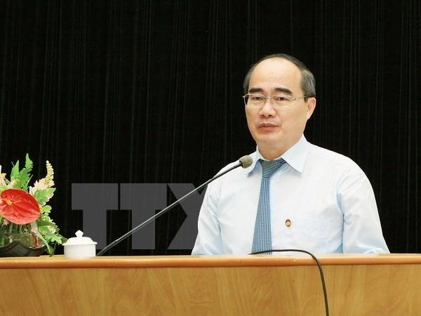 Dirigente del Frente de Patria felicita a dignatario religioso por Tet hinh anh 1