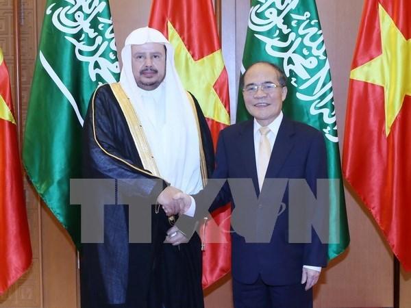 Alto funcionario de Arabia Saudita concluye visita a Vietnam hinh anh 1