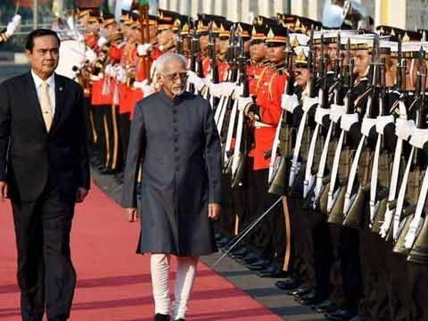 La India y Tailandia trazan hoja de ruta para impulsar nexos bilaterales hinh anh 1