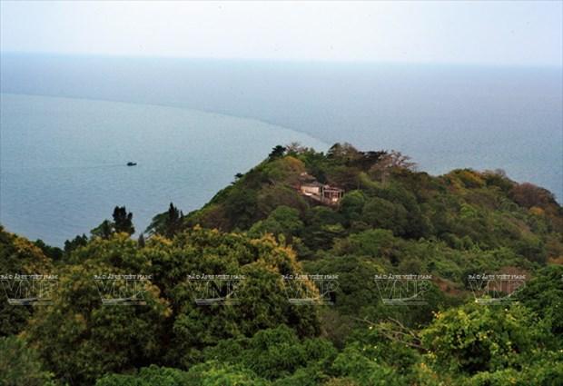 Cabo Ca Mau atrae a visitantes hinh anh 1