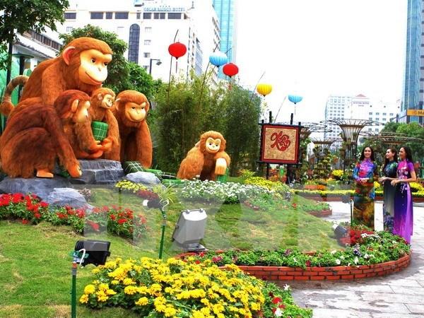 Calle de flores en Ciudad Ho Chi Minh da bienvenida al Ano Nuevo Lunar hinh anh 1