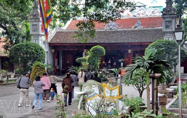 Truc Bach, apacible lago en el seno de un bullicioso Hanoi hinh anh 2