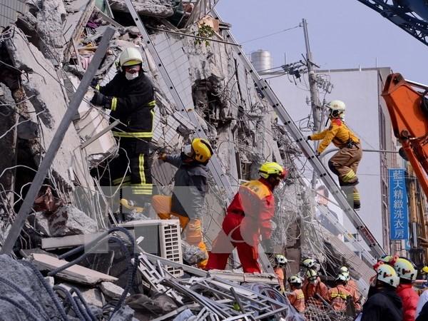 Vietnam despliega medidas para proteger sus ciudadanos tras terremoto en Taiwan hinh anh 1