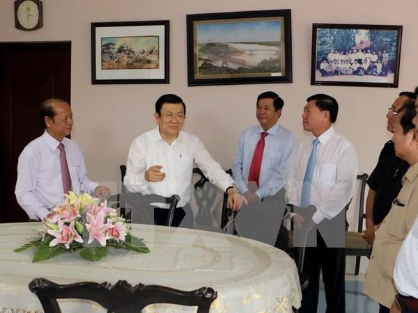 Presidente vietnamita visita Vinh Long en ocasion del Tet hinh anh 1