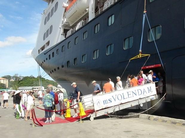Nha Trang recibe el primer crucero internacional en Ano de Mono hinh anh 1