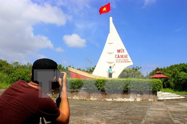 Zona turistica de Ca Mau recibe a unos siete mil visitantes en primeros dias del Tet hinh anh 1