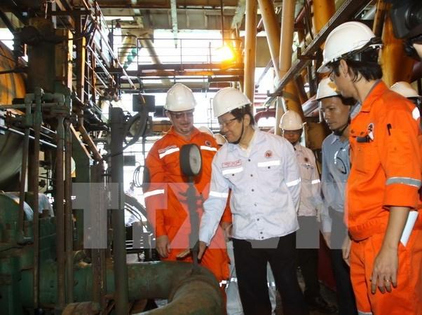 Presidente sugiere a sector de petroleo y gas crear fondo de estabilizacion hinh anh 1
