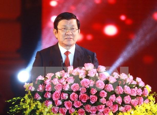 Presidente de Vietnam se reune con exprisioneros de guerra hinh anh 1