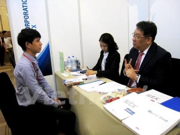 Enfrenta Vietnam intensa competitividad en recursos humanos de alta calidad hinh anh 1