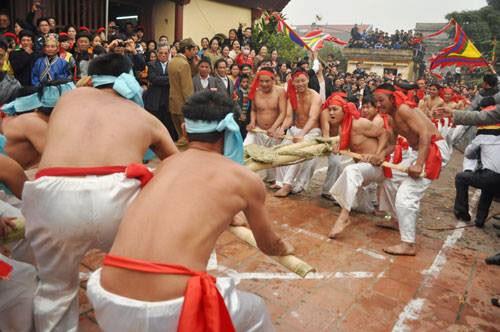 Juego de la soga de Bac Ninh reconocido como patrimonio intangible nacional hinh anh 1