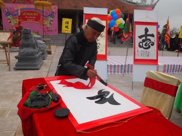 En Hanoi acto de comienzo de escritura en Ano Nuevo Lunar hinh anh 1
