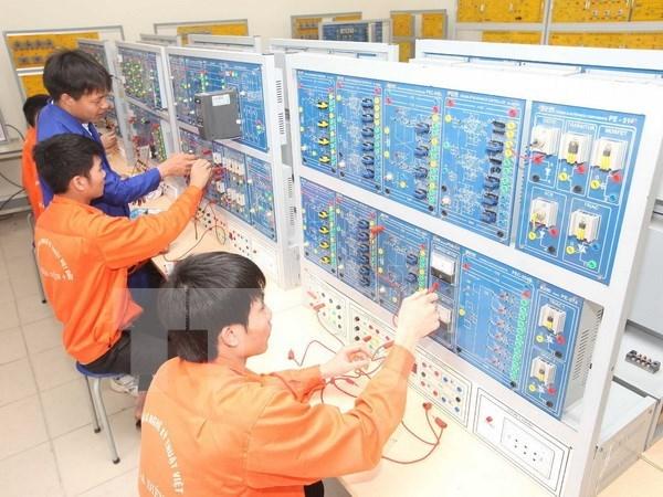 Vietnam intensifica la formacion vocacional en 2016 hinh anh 1