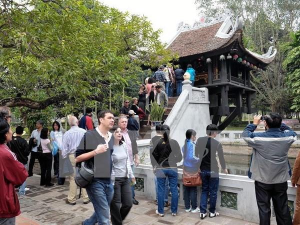 Crece numero de turistas a Hanoi en ocasion del ano nuevo lunar hinh anh 1