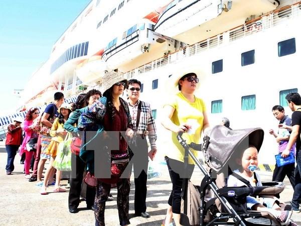 Gran afluencia de turistas a ciudad de Da Nang durante el Tet hinh anh 1