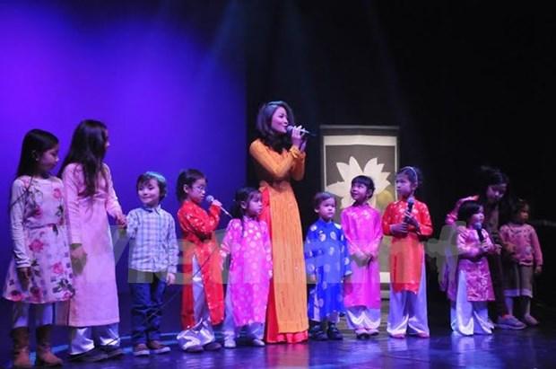 Comunidad vietnamita en Belgica celebra Tet hinh anh 1
