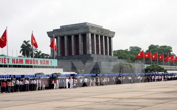 Mas de 63 mil personas llegan a Mausoleo de Ho Chi Minh hinh anh 1