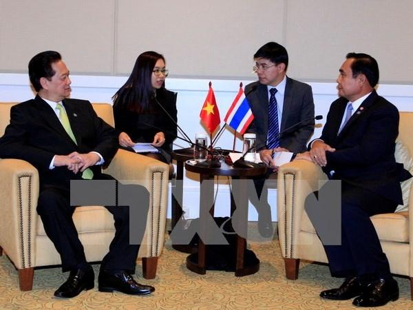 Primer ministro de Vietnam se reune con su par tailandes hinh anh 1